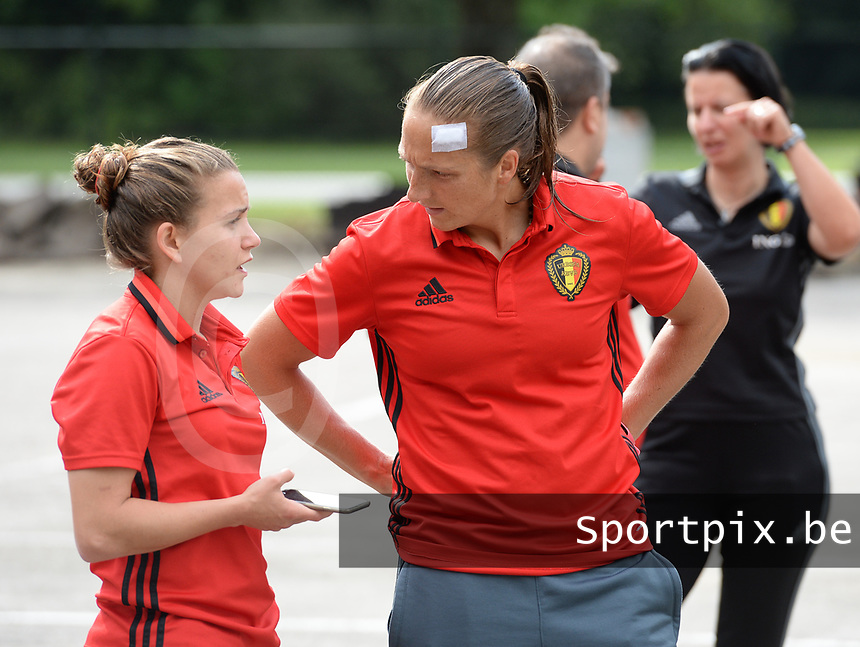 20170725 - TILBURG , NETHERLANDS :  Belgian Maud Coutereels (r) and Davina Philtjens (left) pictured going back to Belgium as the Belgian national women's soccer team Red Flames was not able to qualify for the quarter finals after a loss against The Netherlands , on Tuesday 25 July 2017 in Tilburg . The Red Flames finished on 3 th place in Group A at the Women's European Championship 2017 in the Netherlands. PHOTO SPORTPIX.BE | DAVID CATRY