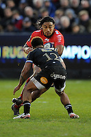 Ma'a Nonu of RC Toulon squares up to Kyle Eastmond of Bath Rugby during the European Rugby Champions Cup match between Bath Rugby and RC Toulon - 23/01/2016 - The Recreation Ground, Bath Mandatory Credit: Rob Munro/Stewart Communications