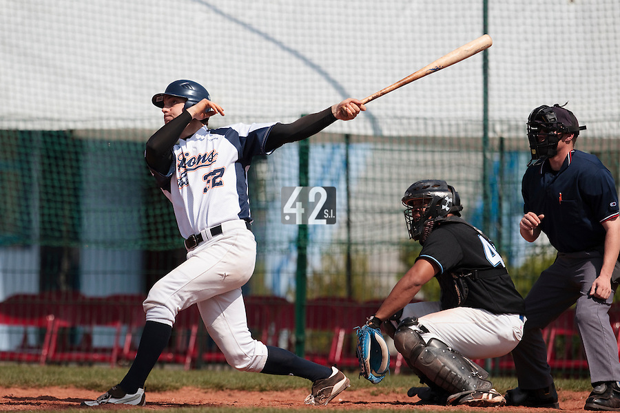18 April 2010: Sebastien Boyer of Savigny is seen at bat during game 1/week 2 of the French Elite season won 8-1 by Savigny (Lions) over Senart (Templiers), at Parc municipal des sports Jean Moulin in Savigny-sur-Orge, France.