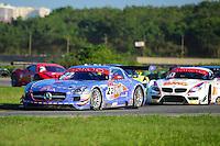 RIO DE JANEIRO, RJ, 21 DE JULHO 2012 - CAMPEONATO BRASILEIRO DE GRAN TURISMO - CORRIDA 1 - 4ª ETAPA - RIO DE JANEIRO - A dupla de pilotos P. Bonifacio/S. Jimenez, vencedores da corrida 1 da 4ª etapa do Campeonato Brasileiro de Gran Turismo, disputado no Autodromo Internacional Nelson Piquet, Jacarepagua, Rio de Janeiro, neste sábado, 21. FOTO BRUNO TURANO  BRAZIL PHOTO PRESS