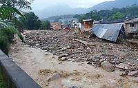 MOCOA - COLOMBIA - 01-04-2017: Aspecto de la tragediá ocurrida ayer, 31 marzo de 2017, en la ciudad de Mocoa al sur de Colombia. El desbordamiento de tres ríos y una avalancha de lodo y piedra que se presentaron en la noche de este viernes, han dejado 176 personas fallecidas y más de 200 heridos. / Aspect of the tragedy happened yesterday, 31 of March 2017, in the city of Mocoa in southern Colombia. The flood of three rivers and an avalanche of mud and stone that appeared on the night of this Friday, have left 176 people dead and more than 200 injured. Photo: VizzorImage / L Castro / CONT