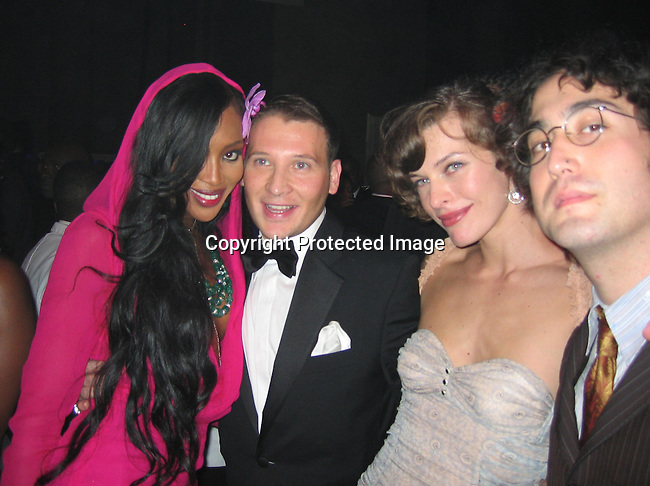 Naomi Campbell, Sean Lennon &amp; Mila Jovovich<br />