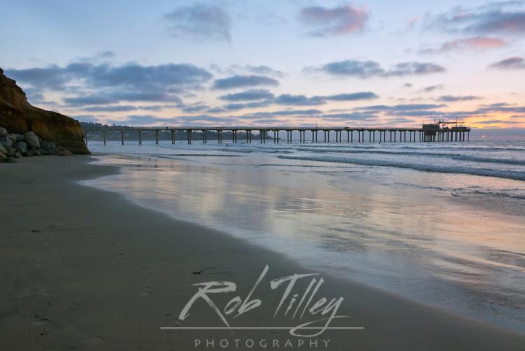 USA, CA, La Jolla, Scripps Pier Sunset