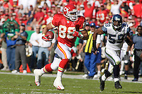 Chiefs tight end Tony Gonzalez runs after the catch on a 37 yard pass play in the second quarter against the Seattle Seahawks at Arrowhead Stadium  in Kansas City, Missouri on October 29, 2006. The Chiefs won 35-28.