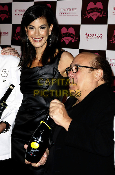 09 February 2008 - Las Vegas, Nevada - Teri Hatcher and Danny DeVito. Keep Memory Alive's Power Of Love Gala To Benefit The Lou Ruvo Brain Institute held at the MGM Grand Conference Center. Photo Credit: MJT/AdMedia..