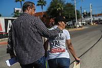 Estela Baez Gil y Julio Cesar Marquez, padres de infante fallecido. *<br /> Padres de familia de niños fallecidos en el incendio de la guardería ABC, donde fallecieron 49 infantes, se manifestaron esta mañana en contra de un nuevo peritaje que se realiza en las instalaciones de la bodega y guardería ubicada en la colonia y Griega.<br /> En el lugar elementos de la PGR, Policia federal y policía local cerraron las calle Mecánicos y Ferrocarrileros  para impedir el paso a la que fuera la estancia infantil. Al llegar los padres rompieron las cintas de seguridad para poder estar en los alrededores del edificio pero no pudieron ingresar al interior donde la empresa Texana LWG  realiza el peritaje. <br /> Ya son 7 años de ocurrida la tragedia en el 2009 y aun no llega la justicia ante este hecho. <br /> FotoLuisGutierrez/NortePhoto