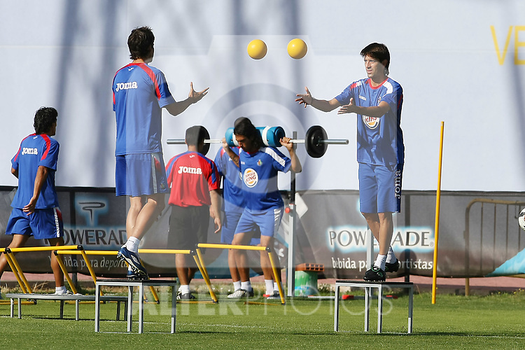 Getafe's David Belenguer (r) during training sesion.August 6 2009. (ALTERPHOTOS/Acero).