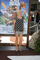 """LOS ANGELES - DEC 11:  Anna Faris arrives at the """"Yogi Bear 3-D"""" Premiere at The Village Theater on December 11, 2010 in Westwood, CA."""