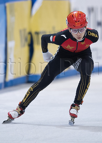 01 February 2019, Saxony, Dresden: Shorttrack: World Cup, quarter finals, 1500 meter men in the EnergieVerbund Arena. Yifan Liu from China on the track.