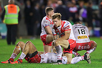 Picture by Alex Whitehead/SWpix.com - 28/09/2017 - Rugby League - Betfred Super League Semi Final - Castleford Tigers v St Helens - The Mend A Hose Jungle, Castleford, England - St Helens players dejected after the loss in extra time.