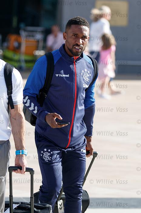 22.06.2019 Rangers arrive in Portugal: Jermain Defoe