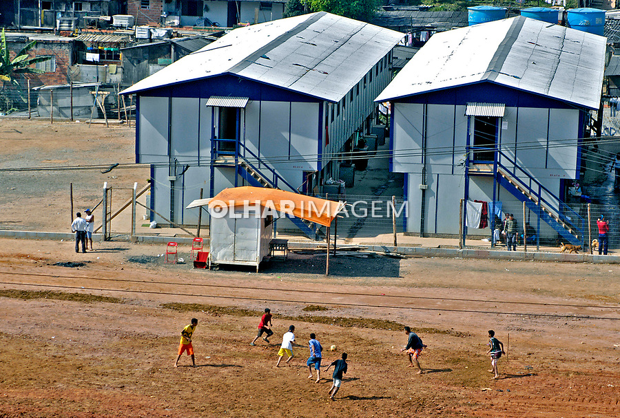 Alojamento de operários da construção civil, São Bernardo, São Paulo. 2004. Foto de Juca Martins.