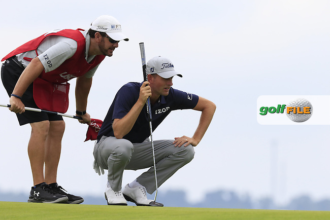Webb Simpson (USA) lines up his putt on the 3rd green during Friday's Round 1 of the 2016 U.S. Open Championship held at Oakmont Country Club, Oakmont, Pittsburgh, Pennsylvania, United States of America. 17th June 2016.<br /> Picture: Eoin Clarke | Golffile<br /> <br /> <br /> All photos usage must carry mandatory copyright credit (&copy; Golffile | Eoin Clarke)