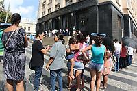 CAMPINAS, SP 06.05.2019 - ELEITOR - A fila  se forma na frente do Forum na cidade de Campinas (SP) nesta segunda-feira (6) é o último dia para eleitores regularizarem situação na Justiça Eleitoral.  (Foto: Denny Cesare/Código19)