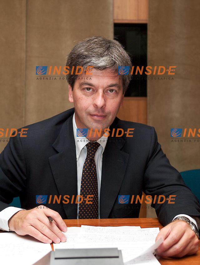 Roma 1 Luglio 2003 <br />Convegno su Poste Italiane spe: dal risanamento al rilancio&quot;. <br />Leonardo Domenici, Sindaco di Firenze e Presidente dell'Anci