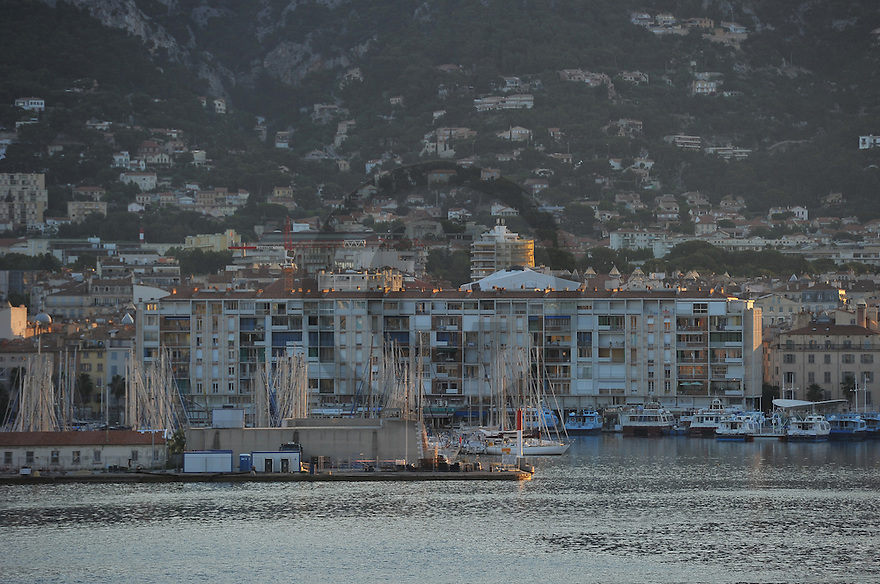 20/06/15 - TOULON - VAR - FRANCE - La Rade de Toulon et son port de plaisance - Photo Jerome CHABANNE