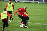 Marius Wolf (Eintracht Frankfurt) gegen Jetro Willems (Eintracht Frankfurt) - 10.10.2017: Eintracht Frankfurt Training, Commerzbank Arena