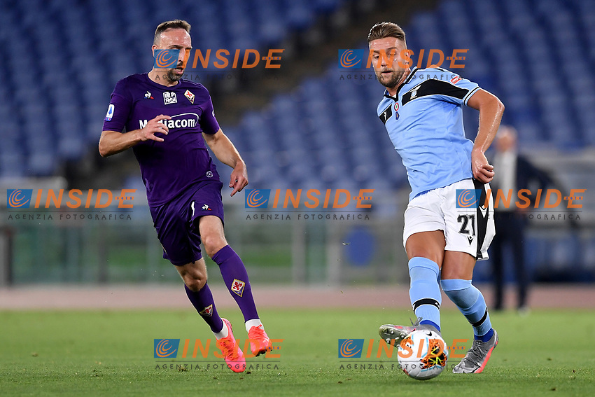 Franck Ribery of Fiorentina and Sergej Milinkovic-Savic of SS Lazio compete for the ball during the Serie A football match between SS Lazio and ACF Fiorentina at stadio Olimpico in Roma ( Italy ), June 27th, 2020. Play resumes behind closed doors following the outbreak of the coronavirus disease. Photo Antonietta Baldassarre / Insidefoto
