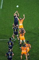 Lineout action during the Super Rugby match between the Highlanders and Jaguares at Forsyth Barr Stadium in Dunedin, New Zealand on Saturday, 11 May 2019. Photo: Dave Lintott / lintottphoto.co.nz