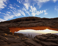Sunrise at Mesa Arch, Canyonlands National Park, Utah, USA.
