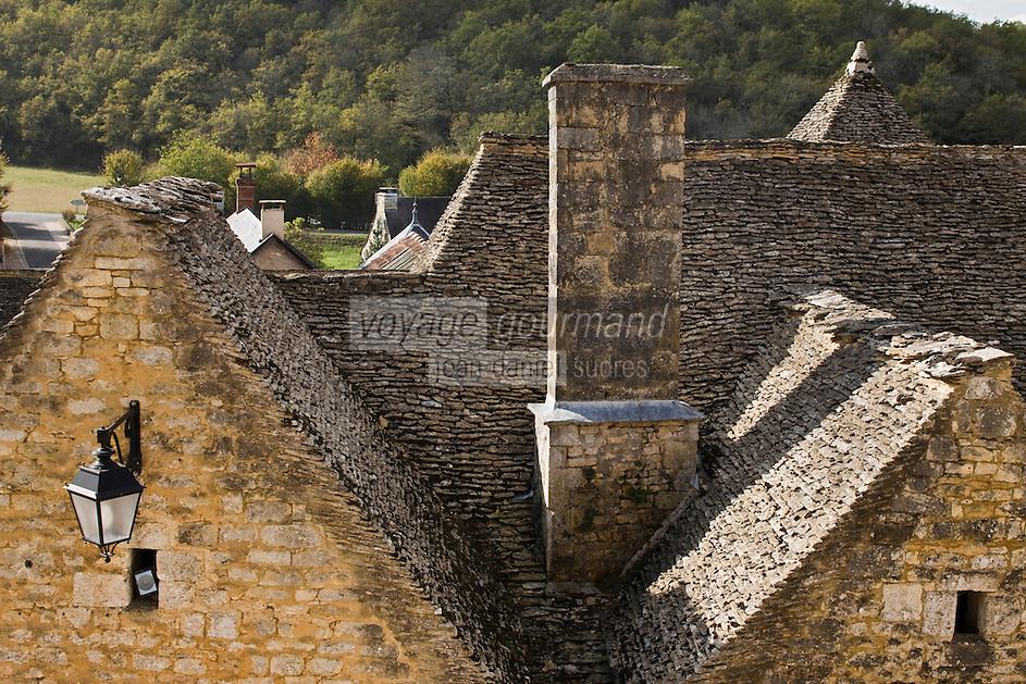 Europe/France/Aquitaine/24/Dordogne/Périgord Noir/Saint-Amand-de-Coly: les maisons du village - détail des toits en lauzes