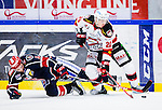 S&ouml;dert&auml;lje 2014-10-23 Ishockey Hockeyallsvenskan S&ouml;dert&auml;lje SK - Malm&ouml; Redhawks :  <br /> Malm&ouml; Redhawks Henrik Hetta i kamp om pucken med S&ouml;dert&auml;ljes Simon L&ouml;f <br /> (Foto: Kenta J&ouml;nsson) Nyckelord: Axa Sports Center Hockey Ishockey S&ouml;dert&auml;lje SK SSK Malm&ouml; Redhawks