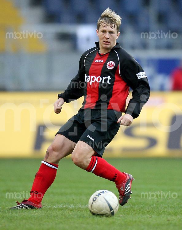 Fussball  1. Bundesliga  Saison 2006/2007 Christoph SPYCHER (Eintracht Frankfurt), Einzelaktion am Ball