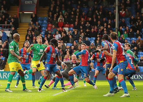 09.04.2016. Selhurst Park, London, England. Barclays Premier League. Crystal Palace versus Norwich. Norwich City Goalkeeper John Ruddy (centre) joins the Norwich attack in the final minutes during a corner as they push for an equaliser
