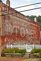 Urban textures - Stone's, Glassport