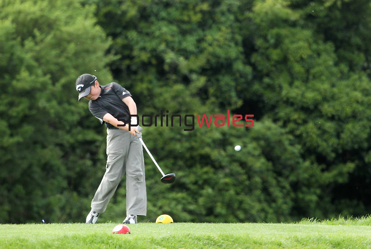 Principality Junior Wales Open Qualifier..Langland Bay Golf Club..27.04.11.© Steve Pope - Sportingwales.