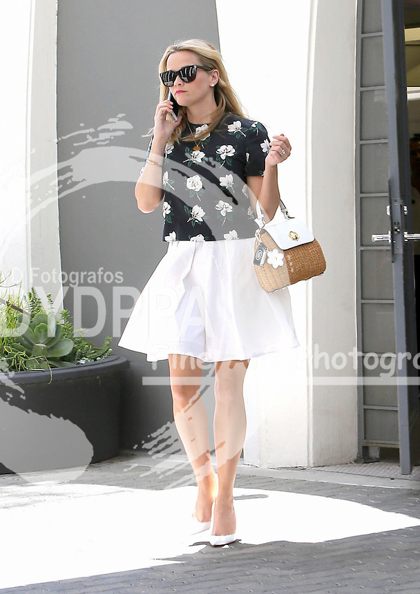 **ALL ROUND PICTURES FROM SOLARPIX.COM**<br /> **SYNDICATION RIGHTS FOR UK, AUSTRALIA, DENMARK, PORTUGAL, S. AFRICA, SPAIN &amp; DUBAI (U.A.E) &amp; ASIA (EXCLUDING JAPAN) ONLY**<br /> Caption:<br />  Actress Reese Witherspoon Sighted in Los Angeles street.<br /> This pic:Reese Witherspoon<br /> JOB REF: 18332       PHZ/STPR      DATE:26.06.15<br /> **MUST CREDIT SOLARPIX.COM OR DOUBLE FEE WILL BE CHARGED**<br /> **MUST AGREE FEE BEFORE ONLINE USAGE**<br /> **CALL US ON: +34 952 811 768 or LOW RATE FROM UK 0844 617 7637**