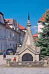 Pomnik Niepodległości na rynku w Myślenicach, Polska<br /> War Memorial in Myślenice Market Square, Poland