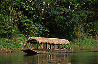 barco-casa no rio Mamoré - Rondônia
