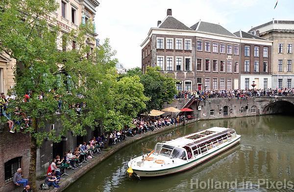 Nederland  Utrecht - 2018. Rondvaartboot vaart door de grachten in het centrum.  Foto Berlinda van Dam / Hollandse Hoogte.