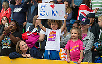 A young spectator bids farewell to Mo FARAH who run his last track race in the UK during the Muller Grand Prix Birmingham Athletics at Alexandra Stadium, Birmingham, England on 20 August 2017. Photo by Andy Rowland.