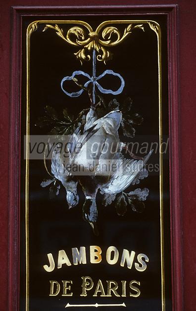 """Europe/France/Ile-de-France/Paris: """"BELLE-EPOQUE"""" - Charcuterie 4 rue Parrot - Gibier à plumes<br /> PHOTO D'ARCHIVES // ARCHIVAL IMAGES<br /> FRANCE 1990"""