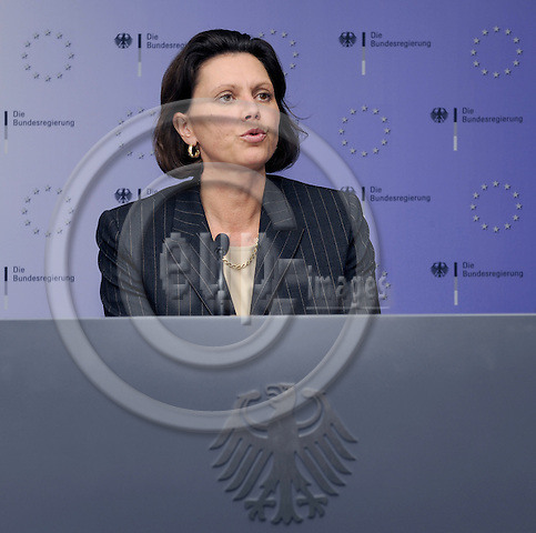 Brussels-Belgium - 20 November 2008 -- Ilse AIGNER, newly appointed German Federal Minister for Food, Agriculture and Consumer Protection, during her press conference on the results of the (nocturnal) meeting of the EU-Council on Agriculture -- Photo: Horst Wagner / eup-images