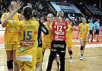 1. Bundesliga Handball Frauen - Punktspiel HC Leipzig (HCL) : DJK / MJC Trier - Arena Leipzig - im Bild: HCL Jubel - Stefanie Hummel (m.). Foto: Norman Rembarz ..