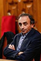"""Eric Zemmour donne une conference a Nice pour son livre """" Le Suicide Français """""""