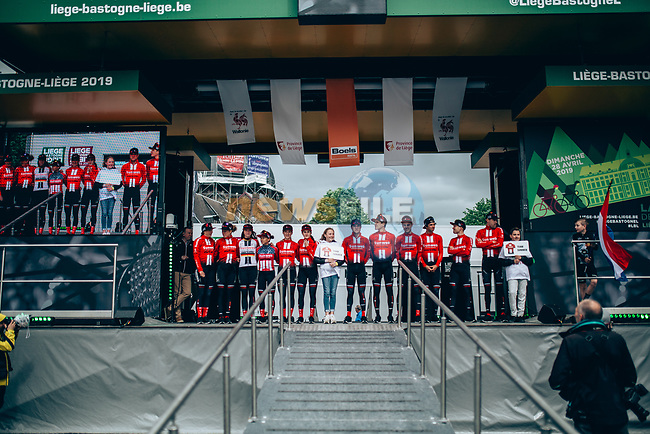 Team Sunweb Women at team presentation before the 2019 Liège-Bastogne-Liège Femmes,  running 138.5km from Bastogne to Liege, Belgium. 27th April 2019<br /> Picture: ASO/Thomas Maheux | Cyclefile<br /> All photos usage must carry mandatory copyright credit (© Cyclefile | ASO/Thomas Maheux)