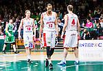 S&ouml;dert&auml;lje 2015-04-10 Basket SM-Semifinal 5 S&ouml;dert&auml;lje Kings - Sundsvall Dragons :  <br /> Sundsvall Dragons Shane Edwards deppar med Jakob Sigurdarson och Hlynur Baeringsson under matchen mellan S&ouml;dert&auml;lje Kings och Sundsvall Dragons <br /> (Foto: Kenta J&ouml;nsson) Nyckelord:  S&ouml;dert&auml;lje Kings SBBK T&auml;ljehallen Sundsvall Dragons depp besviken besvikelse sorg ledsen deppig nedst&auml;md uppgiven sad disappointment disappointed dejected