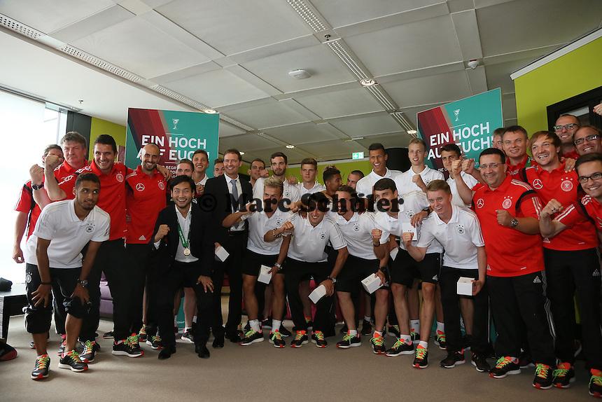 U19 Nationalmannschaft - Empfang der Deutschen U-19 Nationalmannschaft nach dem Europameistertiteil am Frankfurter Flughafen