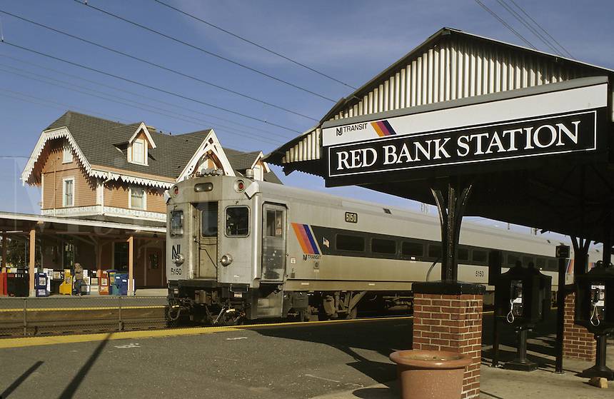 Red Bank, New Jersey.   A New Jersey Transit train stops at the still functioning Red Bank station.