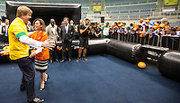 """ATENCAO EDITOR IMAGEM EMBARGADA PARA VEICULOS INTERNACIONAIS - SUZANO, SP, 22 NOVEMBRO 2012 - SEEDORF ACOMPANHA PRINCIPE DA HOLANDA - O jogador holandes do Botafogo Seedorf prestigia as visitas do Príncipe Willem Alexander e a da Princesa Máxima da Holanda, e lança o projeto """"Panna Knock Out"""" para 150 crianças de escolas cariocas durante evento que visa a Copa do Mundo de 2014.<br /> O objetivo é organizar o primeiro mundial do jogo durante a Copa. Em holandês, Panna é uma gíria que significa """"jogar a bola por entre as pernas do adversários"""". É um jogo de futebol de rua que estimula a coesão e a participação social entre jovens que amam o esporte. No Maracanazinho no Rio de Janeiro da tarde desta quinta-feira, 22, (FOTO: VANESSA CARVALHO / BRAZIL PHOTO PRESS)."""