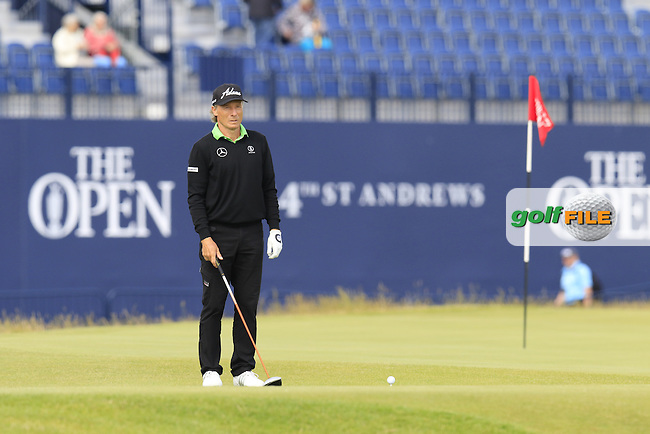 Bernhard Langer (GER) on the 18th tee during Monday's Final Round of the 144th Open Championship, St Andrews Old Course, St Andrews, Fife, Scotland. 20/07/2015.<br /> Picture Eoin Clarke, www.golffile.ie