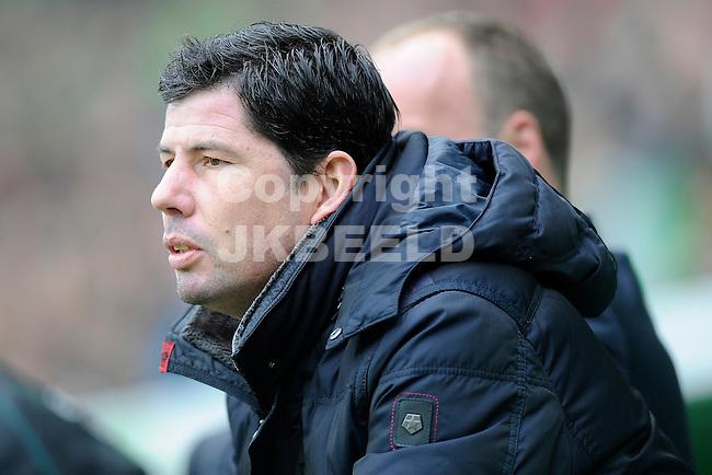 GRONINGEN - Voetbal, FC Groningen - SC Cambuur, Eredivisie,  stadion Euroborg, seizoen 2013-2014, 02-03-2014,  FC Groningen trainer Erwin van der Looi