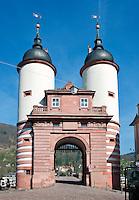 Germany, Baden-Wuerttemberg, Heidelberg: Old Bridge gate | Deutschland, Baden-Wuerttemberg, Heidelberg: Brueckentor am Suedende der Alten Bruecke