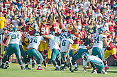 Philadelphia Eagles kicker Caleb Sturgis (6) kicks a third quarter field goal against the Washington Redskins at FedEx Field in Landover, Maryland on Sunday, October 16, 2016.  The Redskins won the game 27 - 20.<br /> Credit: Ron Sachs / CNP