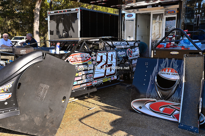 Feb 17, 2014; 4:32:12 PM;  Barberville, FL, USA;  World of Outlaws Late Model Series for 43rd Annual DIRTcar Nationals presented by Summit Racing Equipment at Volusia Speedway Park.  Mandatory Credit: (thesportswire.net)