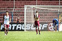 SÃO PAULO,SP,17 JANEIRO 2013 - COPA SÃO PAULO JUNIOR - FERROVIARIA x AUDAX  - jogadores  da Ferroviaria lamentam derrota apos partida Parana válido pelas oitavas de final da Copa são Paulo de Juniores no Estádio Nicolau Alayon na tarde desta quinta feira (17).FOTO ALE VIANNA - BRAZIL PHOTO PRESS.